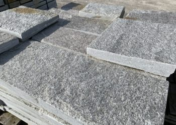 Bodenplatten Gneis